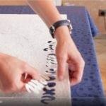 In kurzen Videos erklären wir dem Heimwerker die Anwendung der Flüssigtapete.
